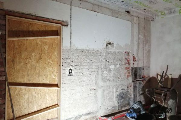 13-Badtür-versetzen-und-durch-Feuerschutztür-ersetzen
